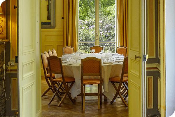 Château de Châtenay séminaire au vert à 30 min de Paris salle à manger